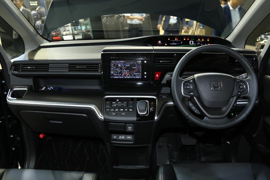 新型ステップワゴン スパーダに待望のハイブリッドが登場! 燃費はクラストップの25km/L! - 価格.comマガジン