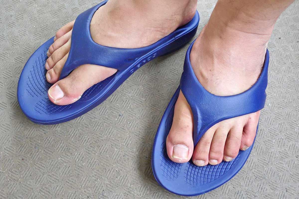 足の疲労を「回復」させる。リカバリーサンダルの履き心地が最高にイイ!