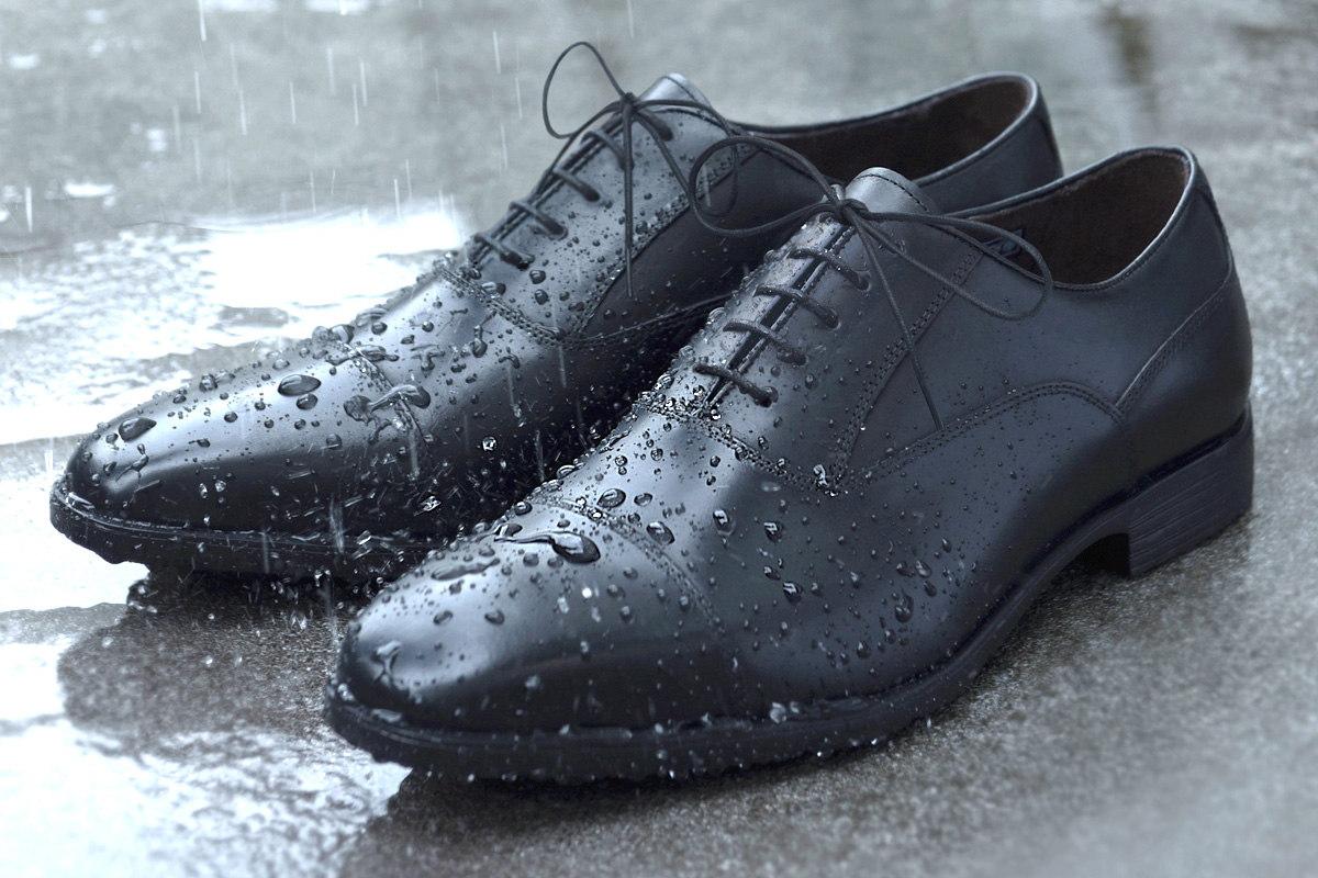 梅雨でも超快適! すべらない防水スニーカー&ビジネスシューズ10選