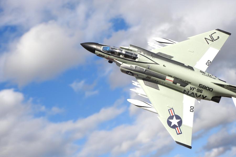 できたー! 1/72スケールの「F-4...