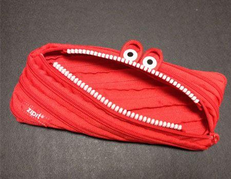 普通の筆箱にあきた人に使ってほしいのが、この「モンスターポーチ」