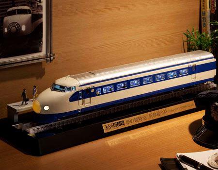 「大人の超合金 新幹線0系」。1964年10月から2008年12月までの44年間、東海道新幹線と山陽新幹線にて運用された日本初の新幹線車両「新幹線0系」を1/45スケールで完全再現