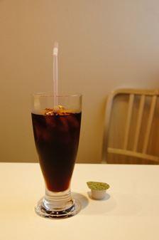 ついついアイスコーヒーで一休み…でもちょっと待って!熱中症予防にはノンカフェインですよ!