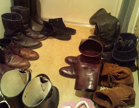 ブーツが登場した玄関は足の踏み場が無くなります