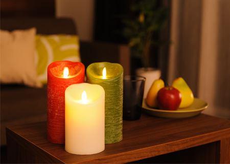 キャンドルを灯して照明を落とせば、いつものお部屋がリラックス空間に変身します