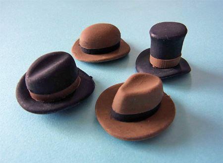 中には4種類の帽子ならぬかっこいい消しゴムがはいっておりました