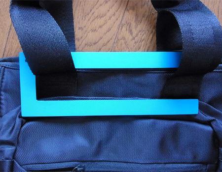 シンプルな形なので、どのようなかばんにも対応できそうです