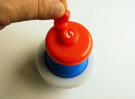 レバーを回転させると、チュッパチャプスが早く溶けます。溶けたら冷凍室へ