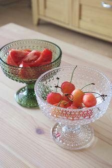 ガラスの粒が周囲の光を集める効果で、盛り付けた料理や食材をライトアップしてよりおいしそうに見せてくれる効果も