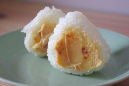 もちろんご飯とも好相性。味噌の代わりに焼きおにぎりに塗って食べても、絶妙な塩辛さとまろやかさがクセになります