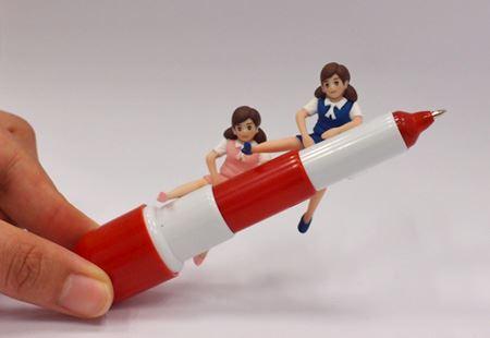 ペン先を上に向けたら3段式ロケットを思い出しました