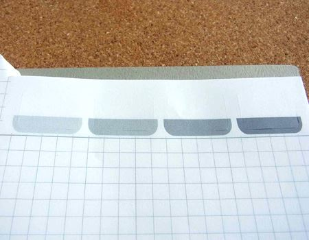 写真では見づらいかもしれませんが、色がついている箇所の周りに切込みが入っています