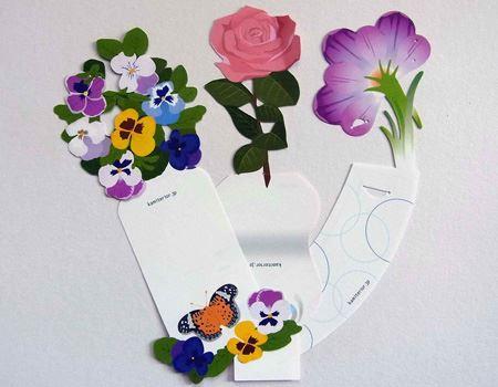 花をデザインした3種類のメモ用紙がセットになっています