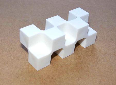 10個のキューブが作り出すカドは全部で28個