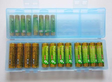 同じ状況の電池を4本単位でまとめることができるのがポイント。プラモや電池式の機器などでちょっと使った電池をまとめておけます