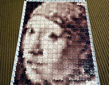 完成! 300ピースでも問題なく、人間の顔が表現できています