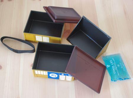 2段のお弁当スペースのボックスにはそれぞれシール蓋で密閉できるので、中身がこぼれにくいのもうれしい