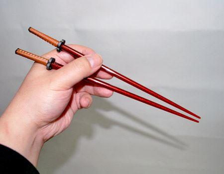 今回買った家康モデルは、お箸本体が赤いのが特徴。一番写真栄えしそうなので選びました