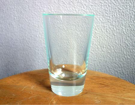 「シンプル・イズ・ベスト」という言葉がふさわしいグラスです