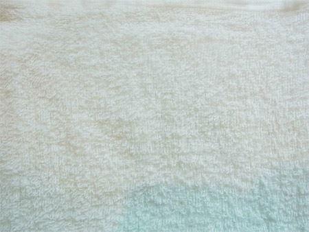 5分ほど手洗いした結果、このように。もちろん同じタオルです