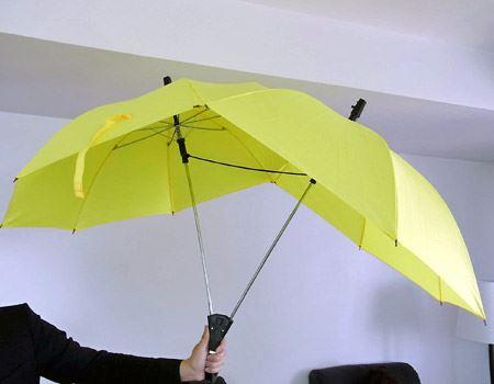 開くとこんな感じに…。傘が開いた時のサイズは1170mm×1100mmとかなり大型