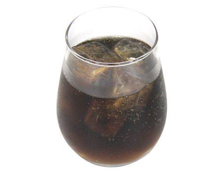 梅風味のフルーティなコーラもなかなかオツです