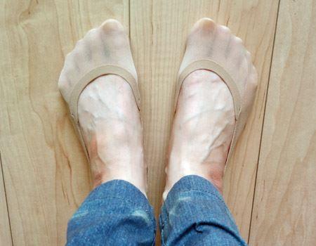 足のサイズ23.5センチの筆者の着用例。生地がよく伸び、しっかりフィットするので安心感がある