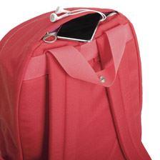 上部にも出し入れに便利な小型モバイル向けのポケットを装備