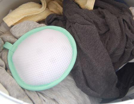 1回目です。このように洗濯物と一緒に投入。(※乾燥コースは使用禁止らしいのでお気を付けください。)