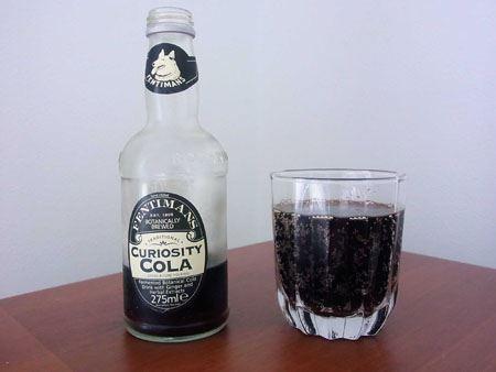 炭酸は普段飲んでいるコーラよりもやや弱い感じ