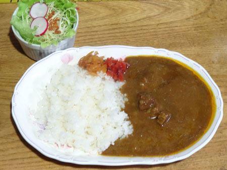 まずはライスカレーで。「日本一辛い」は伊達じゃなかった。これ、本当に辛い! しかし、うまい!! でも辛い!!!