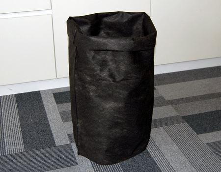 こうやって自立してくれるので、ゴミ箱としても…OK!