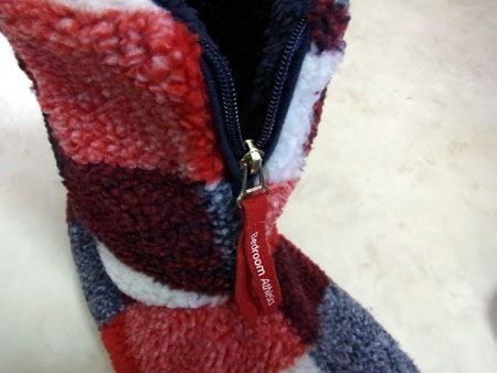 ジッパー付きなので履きやすいし、暖かさが逃げないのもいいですね
