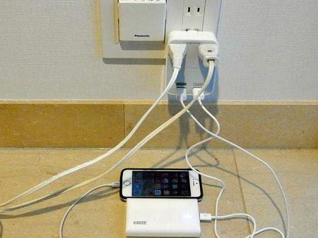 充電器なしでスマホなどをダイレクトにつなげるので電源周りがスッキリします