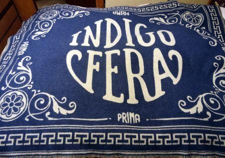 悩んだ末に筆者が選んだのは、ロゴ×藍色のINDIGOFERA PRIMA感満載の1枚
