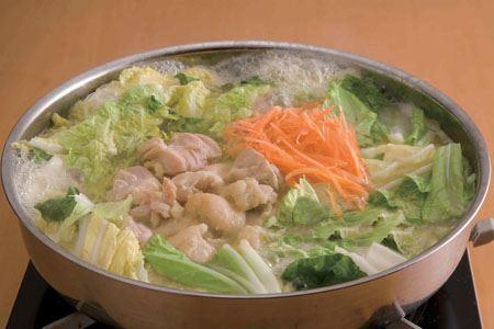 なんと、味付けされた味噌だったんです! これを使うと、野菜と栄養がたっぷり摂れる味噌味の鍋が超簡単に作れます