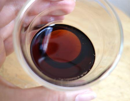 自宅のグラスでは「いつも飲んでいたコーラの香り」という印象でしたが、リーデルのグラスだと…「おお〜! 爽やか!」