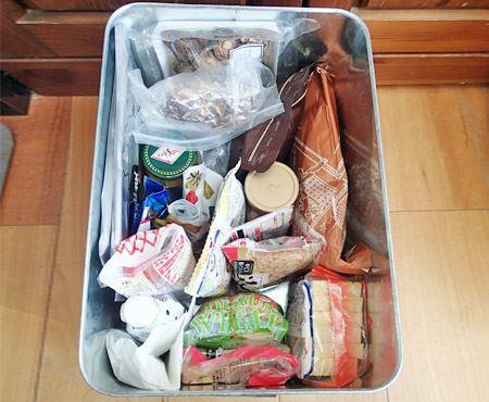 米ではなく、乾物を入れてみました。細々としたものが収まるので台所がスッキリ片付きます