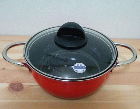 鍋としての使用例。特殊コーティングはニオイが移りにくいのも特長で、カレーを作った後、洗ってすぐに別の調理ができます