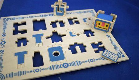 さらに文字パーツを分解すれば、パズルのように元のカードに戻ります