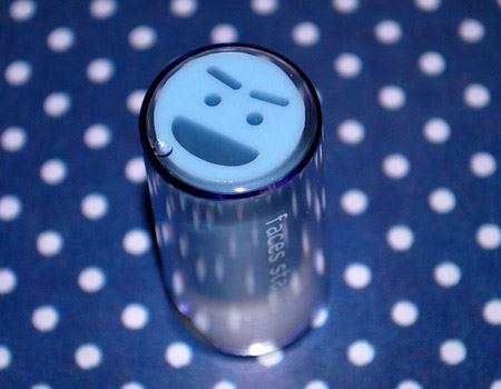 このシャキーンとした顔がなんかかわいいんです。インク汚れを防ぐ収納ケースもついています