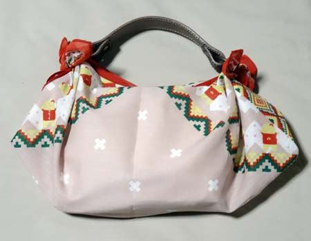ふなっしーのバンダナ(56cm角)で標準バッグを作ってみました!
