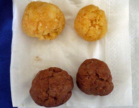 固まったら手で丸くしておきましょう。カスタードドーナツとココアドーナツの2種類が作れます