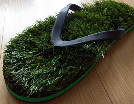 人工芝ですが、まるで本物の芝のような質感です