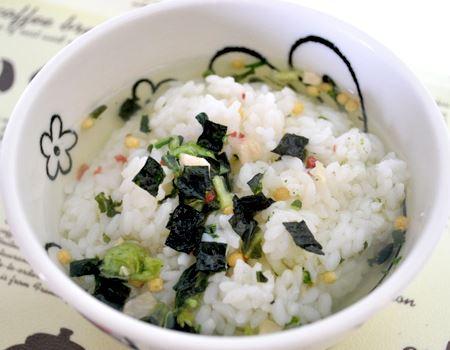 広島菜茶づけは抹茶味。あっさり食べられて、疲れた胃も癒やされました