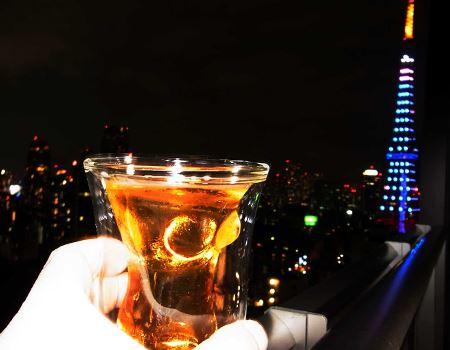でも筆者はやっぱりビール。今宵はこちらのグラスで夜景を見ながらビールを楽しみます♪