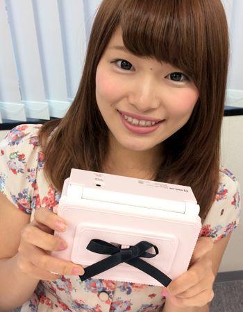 箱から出すと、ピンクで黒いリボンがついててとにかくかわいい!!