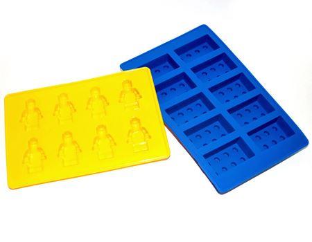 「LEGO シリコンモールド」。LEGOブロックとLEGOのフィギュアの型セットです