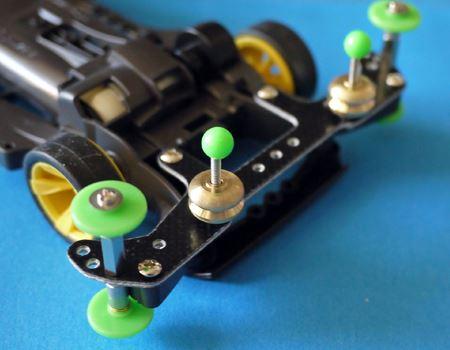 ウリの1つ、金属のマスダンパーをリアに追加します