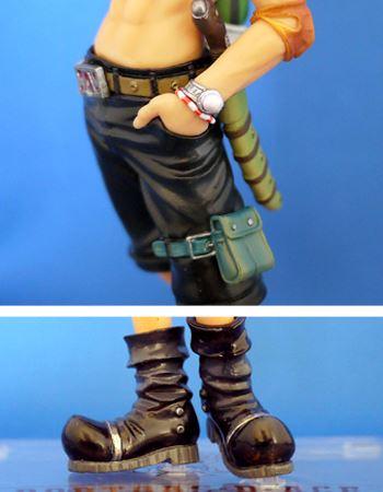 腕のアクセサリーにナイフにベルトも設定どおり。ブーツも汚れ部分が再現されております!